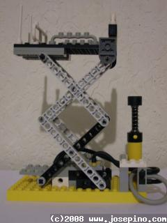 Pneumatic Lego Scissor Lift